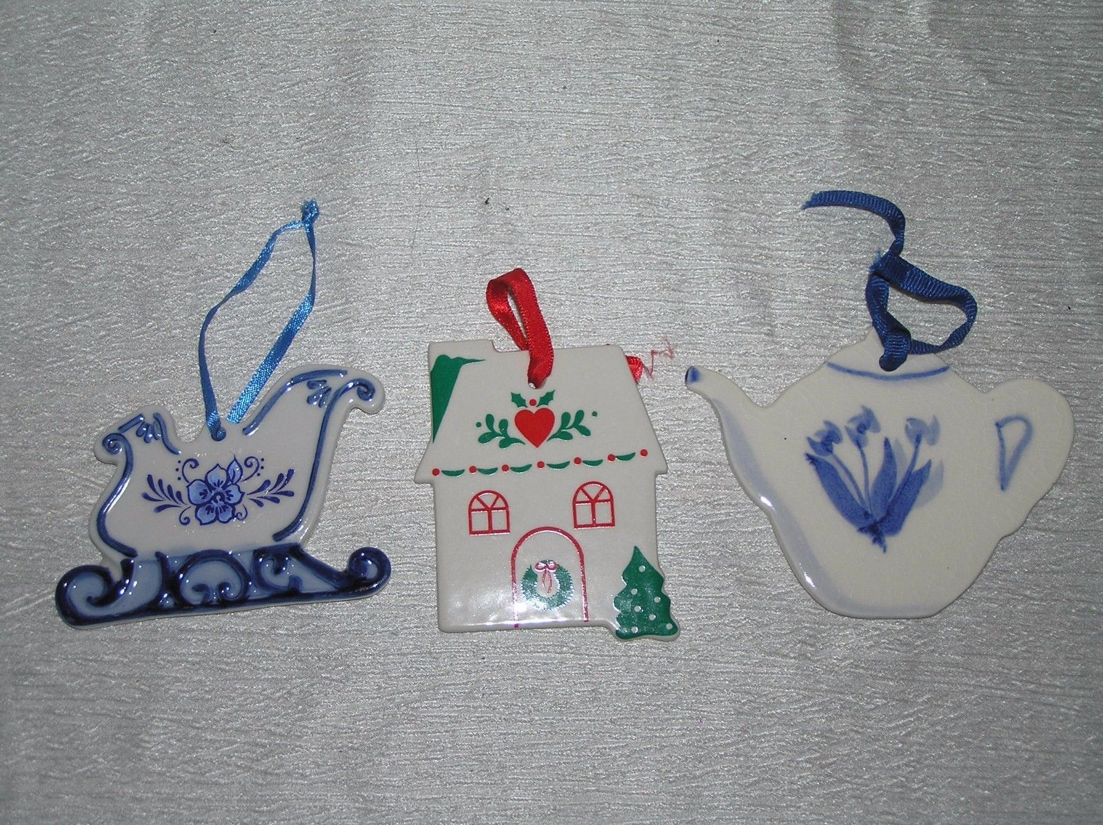 Lot of 3 Blueberry Muffins Blue White Pottery Teapot RUSS Country House SLEIGH