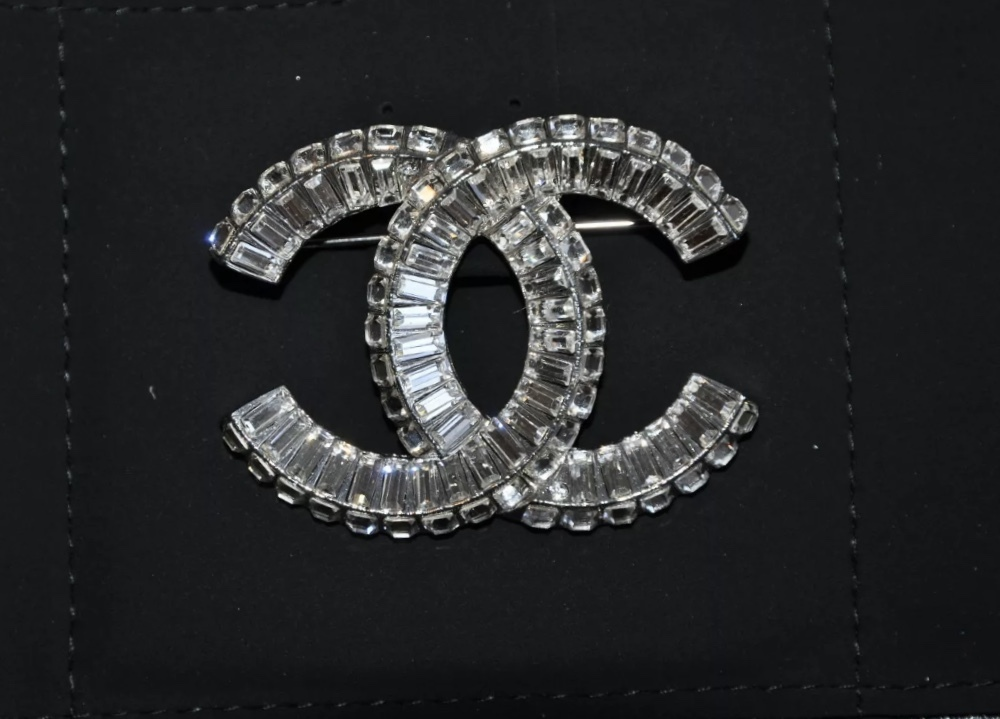 AUTHENTIC CHANEL Baguette Crystal Large CC SILVER Brooch Pin MINT image 5