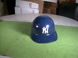Vintage 1969 New York Yankees Plastic Helmet Sports Products Corp. Official MLB - $20.00