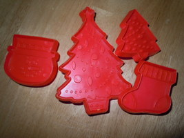 Vintage 4 Red Hallmark Christmas Cookie Cutters  - $5.99