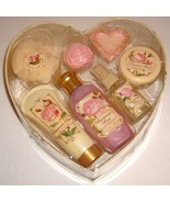 Passionee Rose Valentine's Day Bath Set in Rose Heart Box - Sealed & UNO... - $12.00