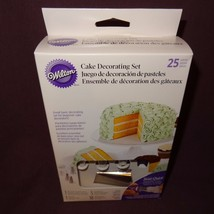 New Wilton Cake Decorating Set 25 Pieces Tips Quick Twist Top Bags Begin... - $19.99