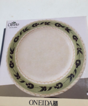 1 DINNER PLATE ONEIDA OLIVETO OLIVE HEAVY NIB BEAUTIFUL - $9.89