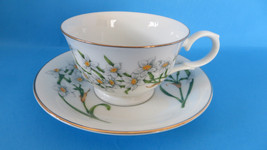 Avon Teacup & Saucer Blossoms of the Month December Narcissus - $8.59