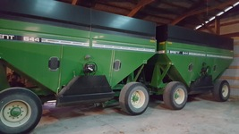 Brent 644 Gravity Boxes For Sale in Center Point, Iowa 52213 image 1