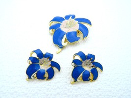 VTG Gold Tone Blue & Pink Hibiscus Flower Brooch & Earring Set - $14.85