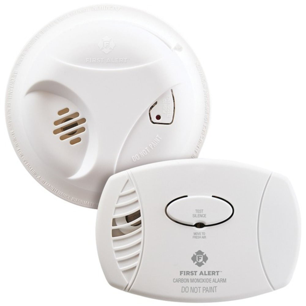 Primary image for First Alert 1039879 Smoke (SA303) and Carbon Monoxide (CO400) Detector Combo Pac