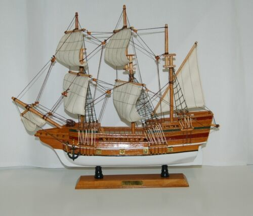 Mayflower 8819652B Wooden Ship Full Sail 19 by 17 Inches Detailed