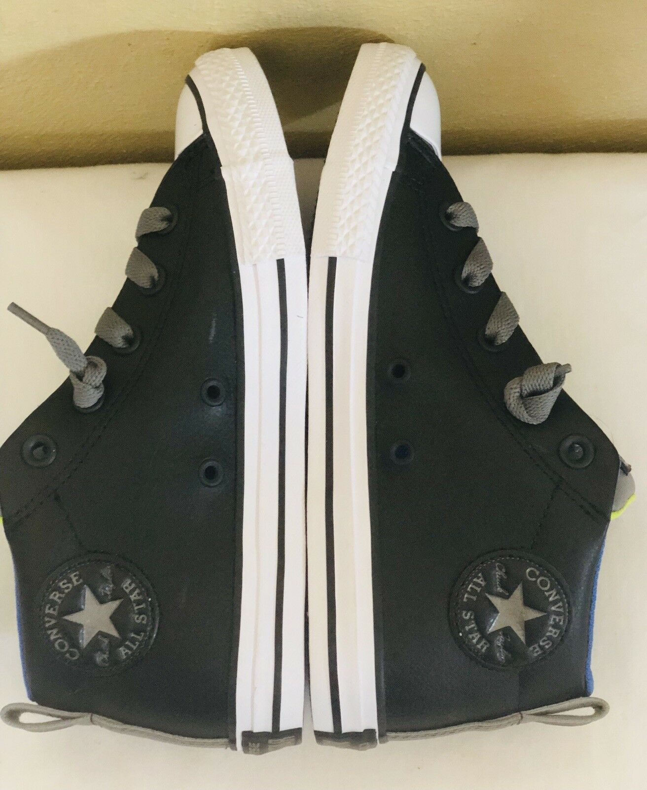 New Converse All-Star Black/Gray Leather Mid Juniir Sneakers Size 3