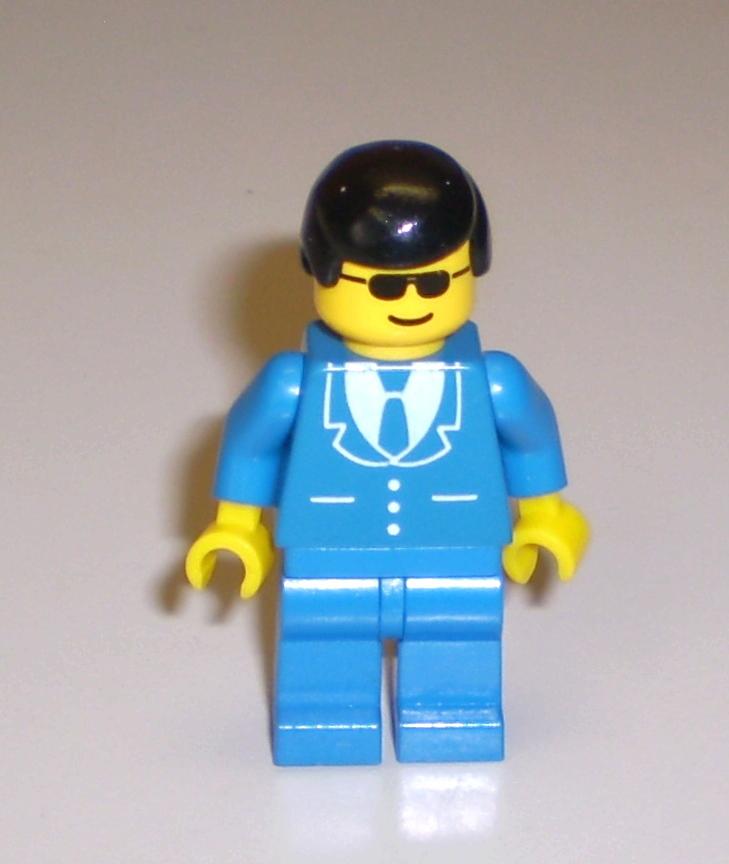 Soccer Jersey Upper w//Blue Striped Shirt NEW Lego Girl//Boy WHITE MINIFIG TORSO