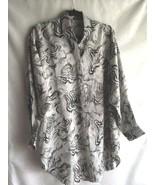 Women's Blouse Animal Print Long Sleeve Button Shirt Black White No Tags  - $8.34