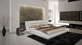 J&M Furniture White Wave Leatherette Queen Size Platform Bed Casual Modern Style