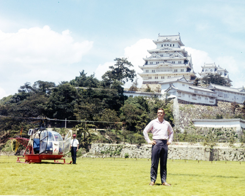 Sean Connery in You Only Live Twice Japan set by helicopter mansion 16x20 Canvas - $69.99