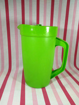 Groovy Vintage PS MID MoD Lime Green Plastic Beverage Pitcher Air Seal Lid - $10.00