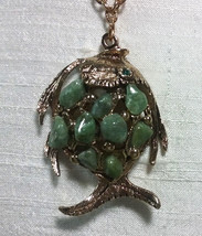 """Vintage Jewelry:;1 1/2"""" Green Stone Fish Pendant on 24"""" Gold Tone Chain ... - $10.99"""