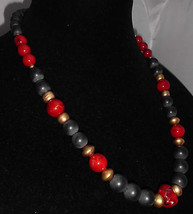 VTG Marbled Red, Black, Gold Plastic Beaded Necklace Choker - $9.90