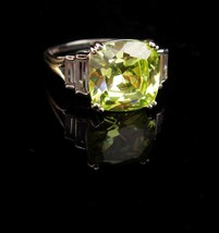 4CT peridot ring / Cocktail Ring / Vintage Sterling Silver ring / Size 9... - $110.00