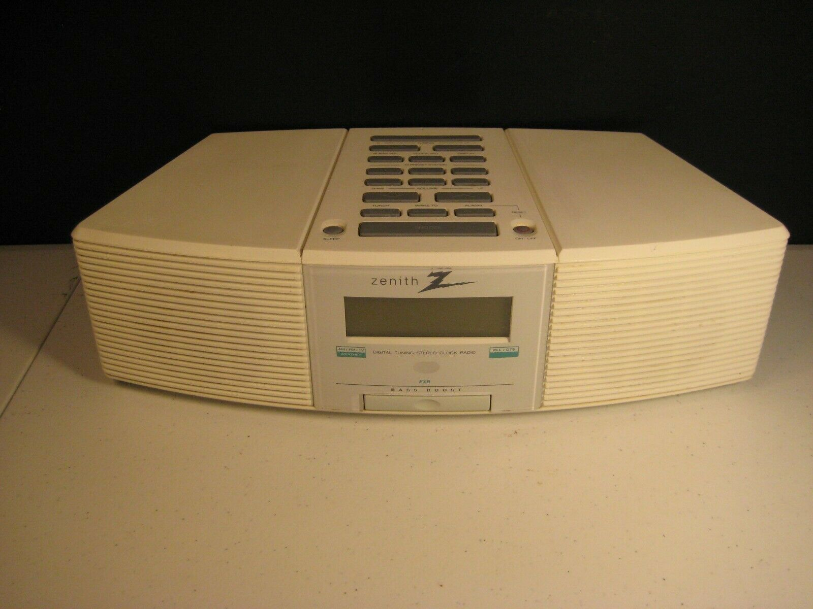Zenith Clock Radio Stereo Z213W AM/FM/Weather with AUX