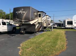 2018 Riverstone 5th Wheel For Sale In Palmetto, FL 34221 image 4