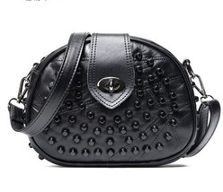 Black Genuine Leather Women Messenger Bags Sheepskin Crossbody Rivet Clu... - $474,18 MXN