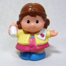 Fisher Price Little MOMMY Holding Baby Bottle Sweet Sounds Home 2006 - $4.00
