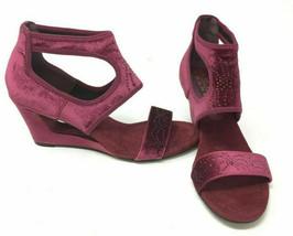 New York Transit Natural Pretty Wedge Sandals Wine Size 7 M - $39.59