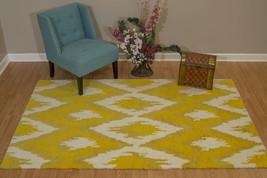 United Weavers Casablanca Zina Yellow Oversize Rug 7'10'' x 10'6'' - $623.47