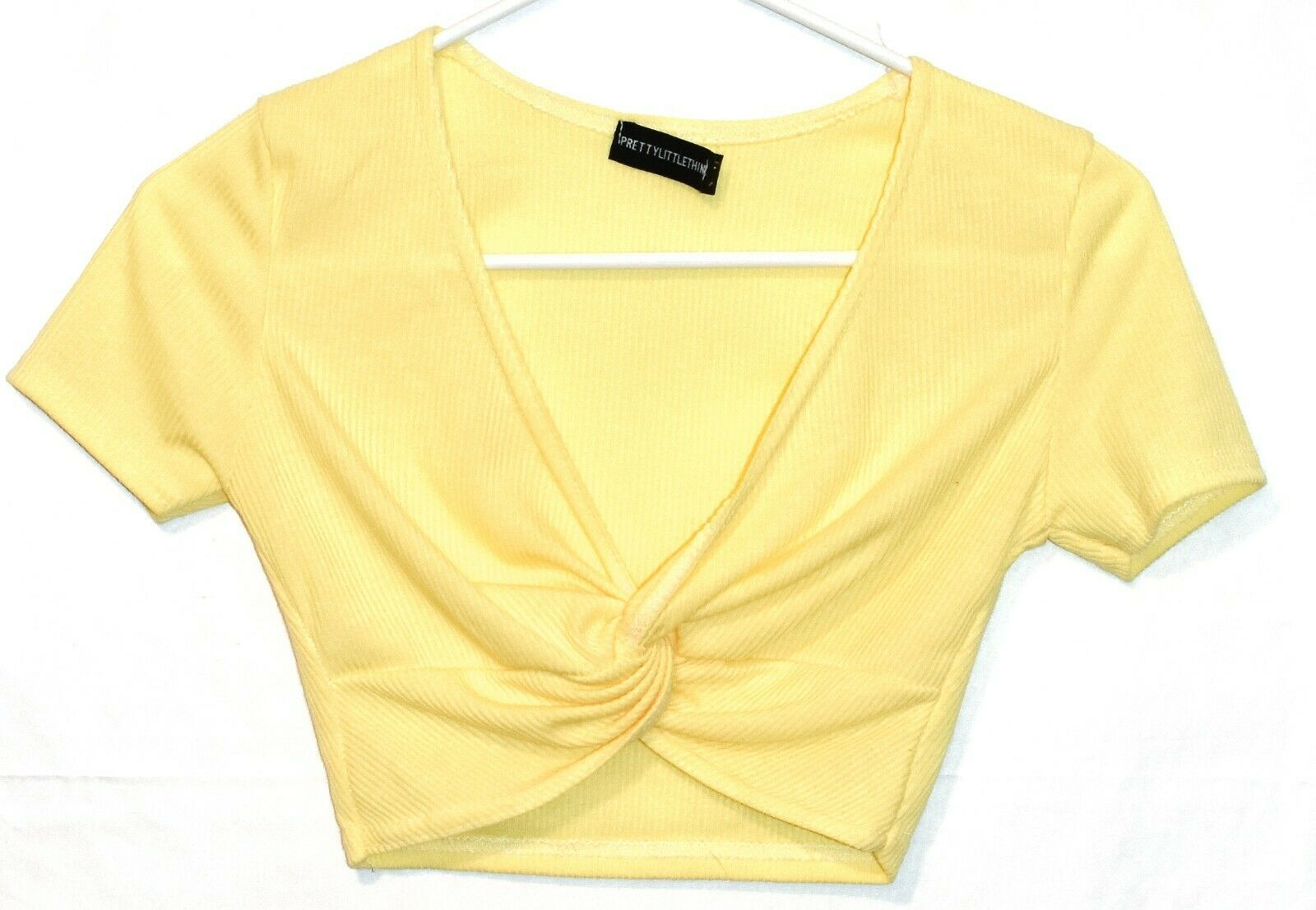 Pretty Little Thing Women's Tie Knot Front Ribbed Knit V-Neck Crop Top Size 2