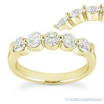 Round Cut Forever Brilliant Moissanite 14k Yellow Gold 5-Stone Band Wedding Ring - €518,58 EUR - €1.062,67 EUR