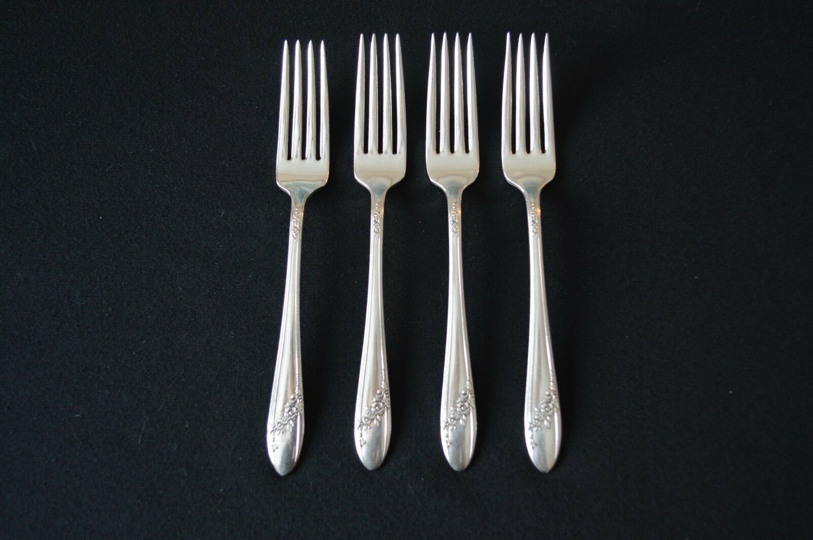 Primary image for Oneida Community Queen Bess 1946 Set of 4 Dinner Forks