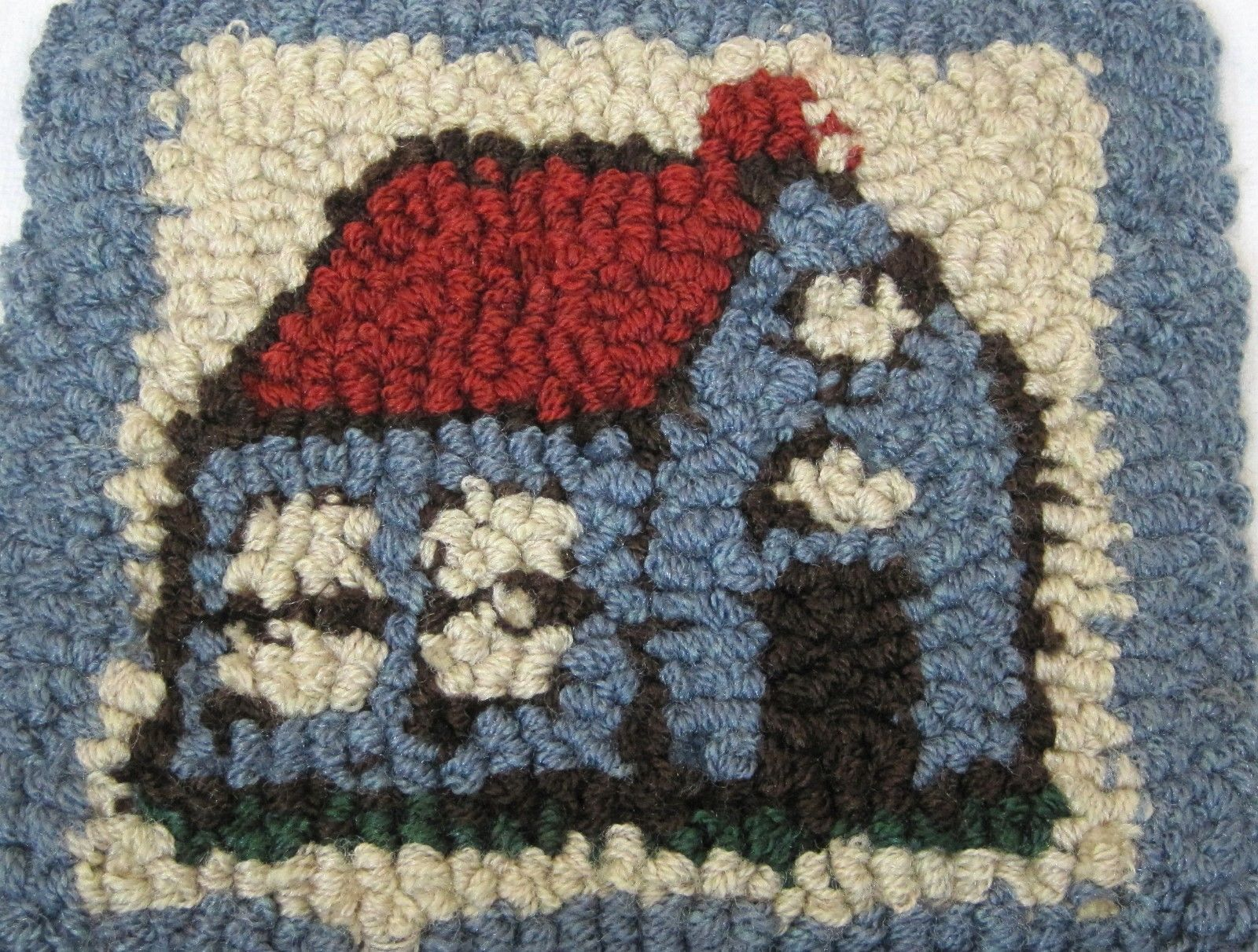 """OLD Country Cottage w Red Roof  Woven 9 x 10""""  Rag Hooked Chair Pad T11"""