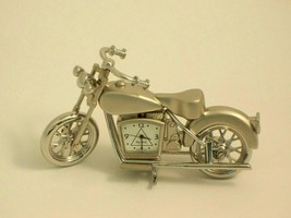 Bey- Berk Small Milwaukee Bike Desk Clock Silver Finish - $18.95