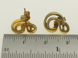 9 Carat Gold Vintage Swirl Stud Earrings 14 mm Diameter. - $63.25