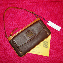 Dooney & Bourke Pebble Leather Front Pocket Wristlet NWT