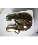 COCONUTS Women Metallic Brass Thong / Sandals 8M New - $28.71