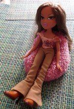 BRATZ 2001 JASMINE with Clothes and Pink Beanbag Chair - $14.50