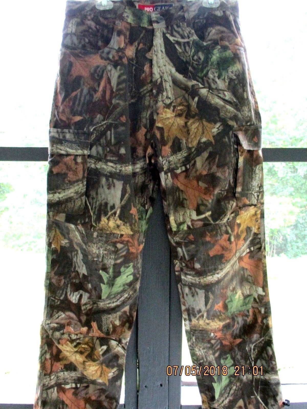 878d1c12 NWOT Wrangler ProGear 9 Pocket Hunter Cargo Camo Jeans Advantage Timber  36X32