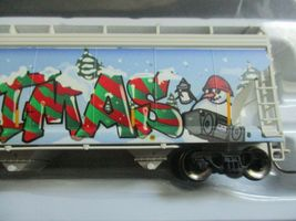 Atlas # 20006330 (Christmas Graffiti) 5800 Plastics Hopper DOWX 66122 HO-Scale image 3
