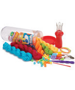 Cool Spool Knitting Kit- - $390,30 MXN