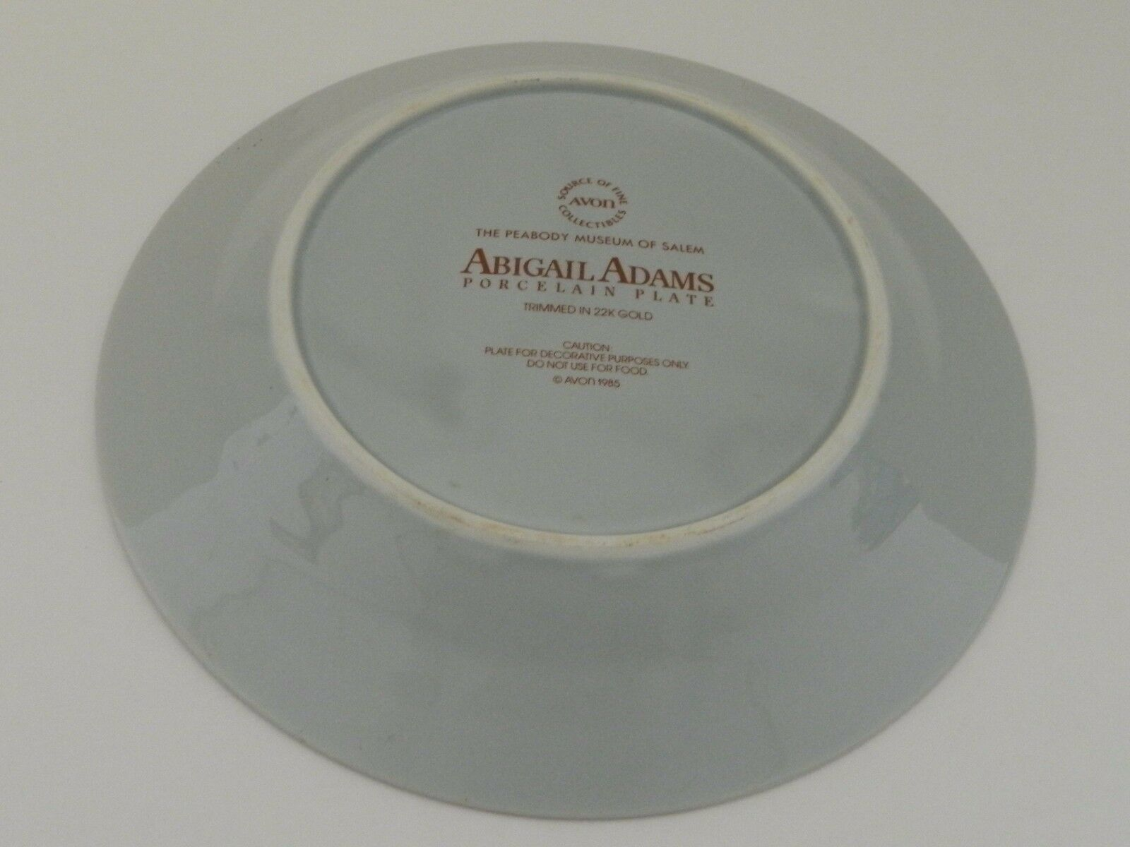 Avon 1985 The Peabody Museum of Salem Abigail Adams Porcelain Collector Plate