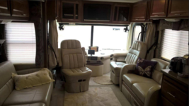2007 Fleetwood Discovery 39V For Sale In Gold Canyon, AZ  85118 image 4