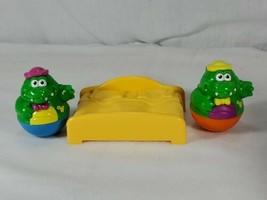 Playskool Weeble Wobbles Alligator crocodile w/ bed figure Lot (ch - $9.90