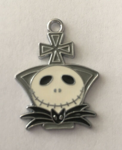 "Jack Skellington Jewelry Necklace Pendant 1"" H X 1"" W Nightmare Before Christmas - $4.75"