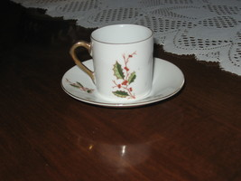 Minature Teacup & Saucer-Christmas-Holly-Berries-Gold Detail-Inarco-Japan - $12.00