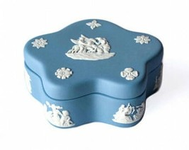 Wedgwood JASPER PALE BLUE PENTAFOIL BOX NEW IN THE BOX ENGLAND - $49.49