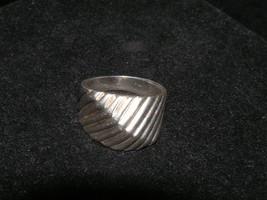 Estate Wide Two-way Ridged MODERNIST Silvertone or Silver Ring Size 7-8 – - $12.19