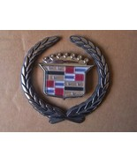 2000-01 CADILLAC CATERA DEVILLE TRUNK WREATH AND CREST EMBLEM - $12.00
