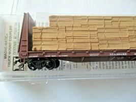 Micro-Trains # 05400290 Seaboard 61' Bulkhead Flat Car with Lumber Load N-Scale image 2