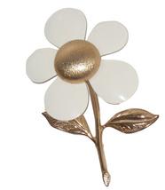 Vintage Sarah Coventry Daisy Pin White Enamel Gold Tone 60s 70s Classy Jewelry - $16.95