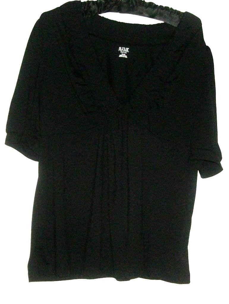 WOMEN'S BLACK DETAIL NECKLINE TOP SIZE PL
